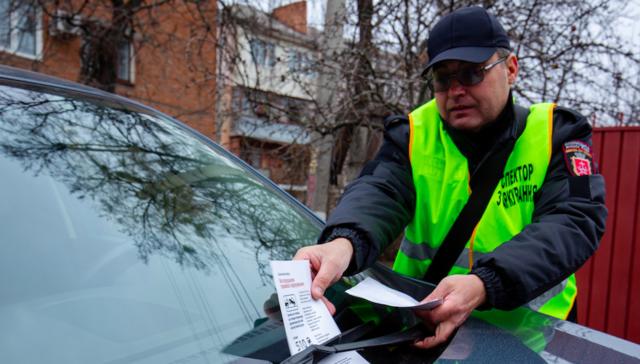 """""""Джипи – передусім"""": у Вінниці інспектори з паркування вийшли на перший рейд. ФОТО"""