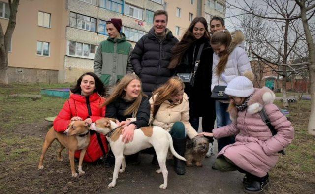 Вінницькі школярі зібрали понад 9 тисяч гривень на допомогу тваринам. ВІДЕО
