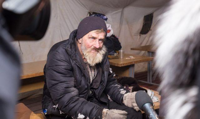 Вінницькі волонтери щоп'ятниці безкоштовно годуватимуть безхатченків