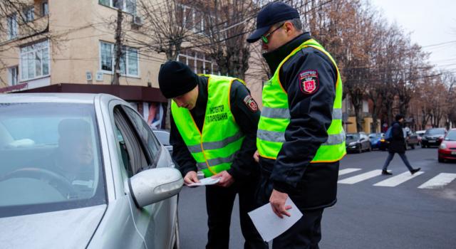 За місяць інспектори з паркування виявили у Вінниці понад 13 тисяч порушників