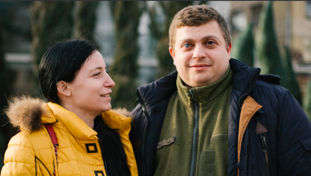 «Бак до повного – і погнали до наших соколів»: закулісся сім'ї вінницьких волонтерів. ФОТО