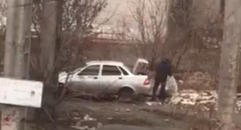 Муніципальні вартові знайшли та покарали вінничанина, який викидав будівельне сміття на вулиці. ВІДЕО