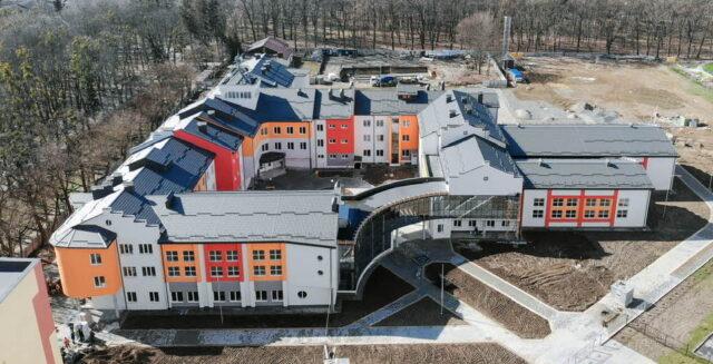"""12 вулиць: у міськраді визначили територію обслуговування нової гімназії на """"Поділлі"""""""