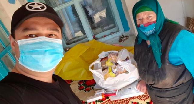 «Машина допомоги»: як подружжя з Вінниці доставляє їжу та ліки самотнім та літнім людям. ФОТО