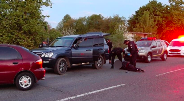 Без права застави: поліцейському з Вінниччини обрали запобіжний захід за участь у викраденні людей