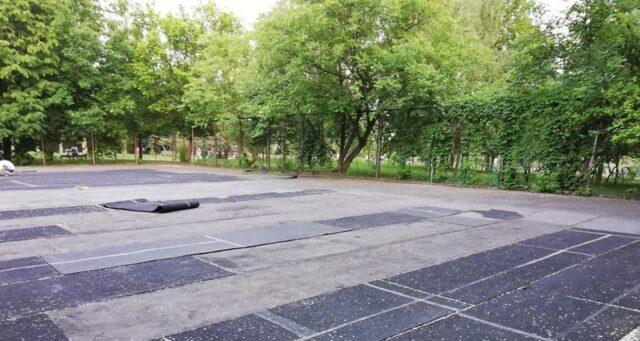 Вінничанин просить відремонтувати тенісні корти у парку Дружби народів. ФОТО
