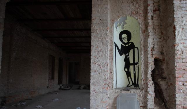 """Рештки давньої величі та """"наскельний живопис"""": що всередині будинку Фігмана та Хасіна в центрі Вінниці. ФОТОРЕПОРТАЖ"""