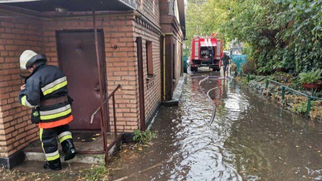 Через грозу на Вінниччині затопило будинки і повалило дерева у п'яти районах області. ФОТО, ВІДЕО