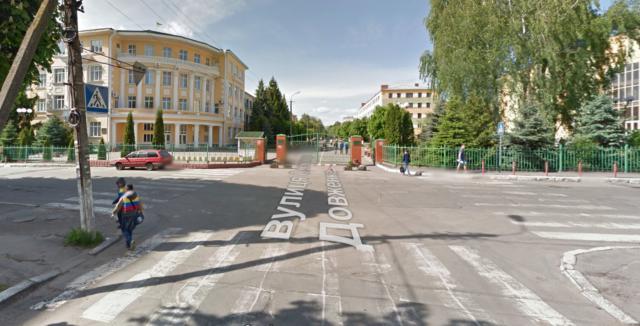 З антикишенями та вуличними стовпчиками: у Вінниці планують відремонтувати перехрестя біля педагогічного університету