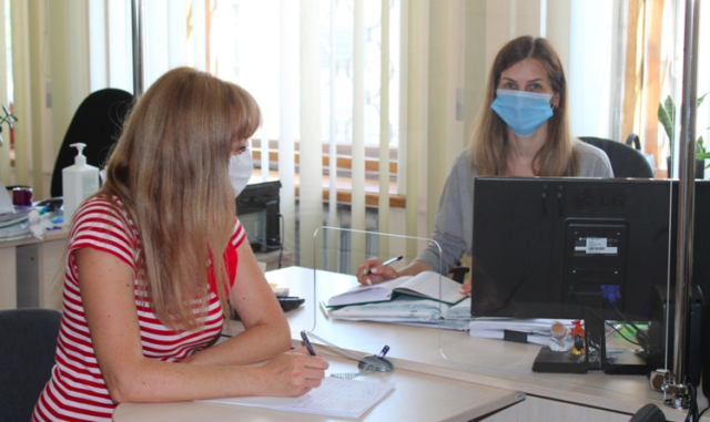 Адмінпослуги без COVID-19: за підтримки Проекту ПРОМІС у ЦНАПах міст-партнерів на Вінниччині встановили захисні екрани