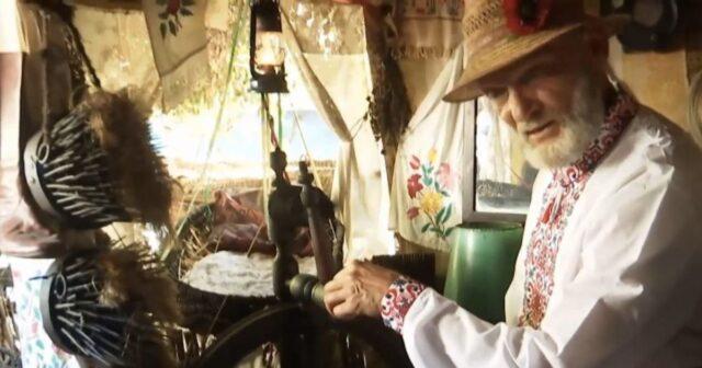 У селі на Вінниччині пенсіонер знімає відеоблоги про власний музей. ВІДЕО