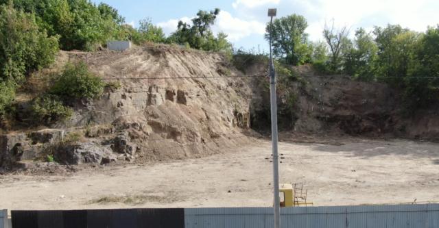 Прокуратура відкрила провадження через знайдені людські рештки на Замковій горі