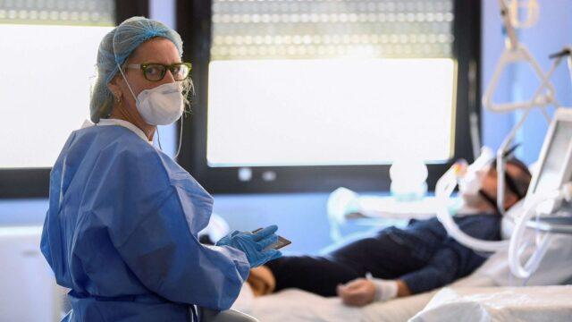 У Вінниці є 15 вакансій лікарів для роботи у «ковідних» командах