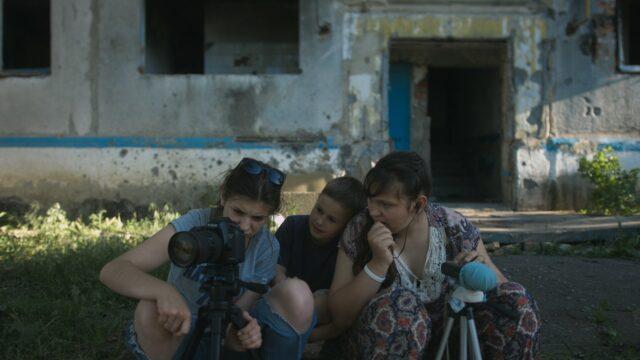 «Земля блакитна, ніби апельсин»: у Вінниці покажуть новий український фільм про життя у «червоній зоні»