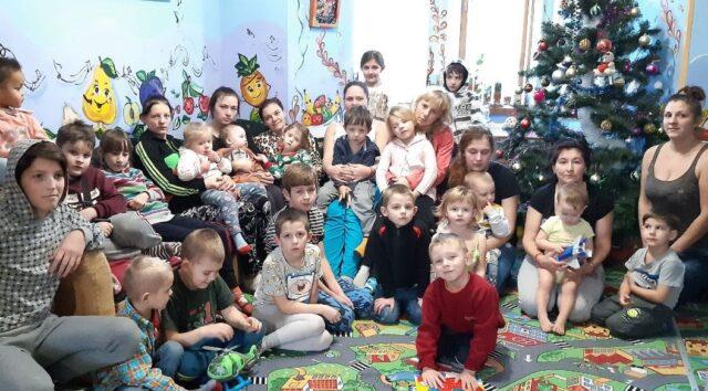 """Кризовий центр """"Дім Мама"""" збирає 90 тисяч гривень на додаткові ліжка"""