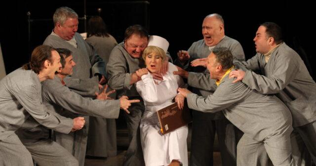 «Політ над гніздом зозулі» знову показуватимуть у вінницькому театрі Садовського