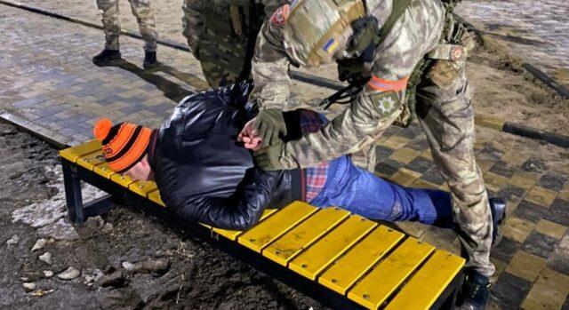 """""""Обурився, що не було феєрверків"""": вінничанин влаштував стрілянину та знеструмив частину Томашполя"""