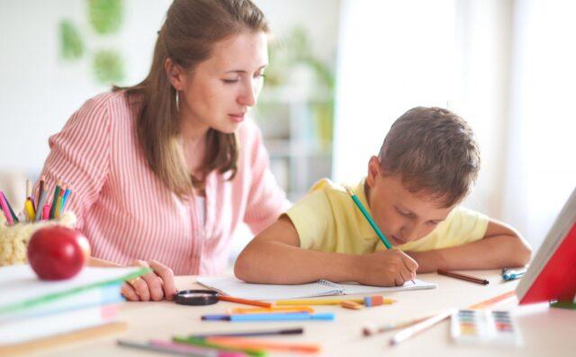 На Вінниччині триває онлайн-опитування батьків щодо організації дистанційного навчання у школах