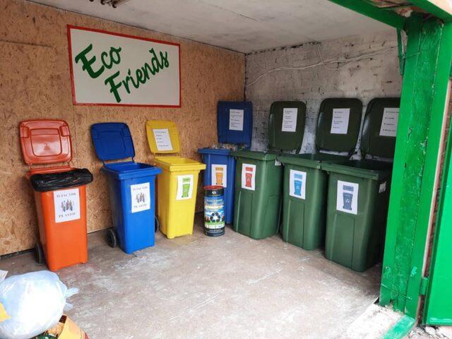 """Eco Friends"": у школі на Малих Хуторах запрацювала сортувальна станція"