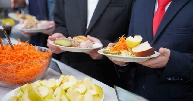 Реформа шкільного харчування: на Вінниччині оновили обладнання у їдальнях 36 шкіл