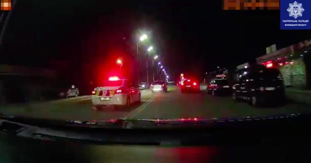 Тікав на авто з Вінниці до Гнівані: на водія-порушника патрульні склали сім адмінматеріалів. ВІДЕО