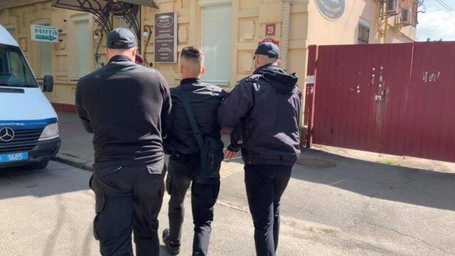 У вінницькій поліції розпочали перевірку через затримання активіста на 9 травня. ВІДЕО, ФОТО