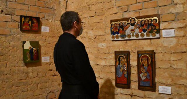 У Вінниці відкрили виставку сучасних ікон «Слово стало тілом». ФОТО