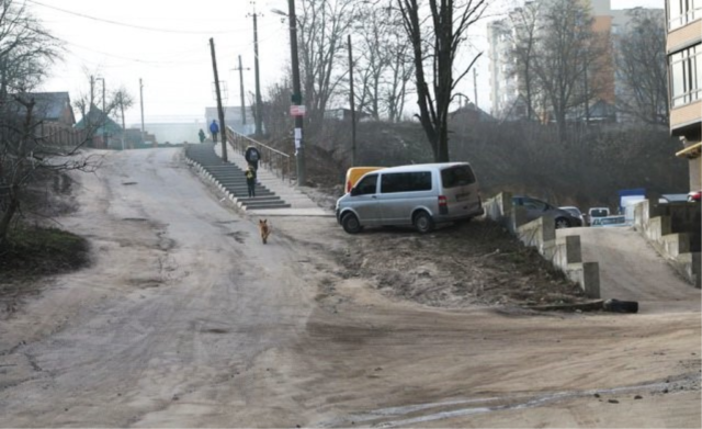 У Вінниці просять відремонтувати дорогу по вулиці Покришкіна. ПЕТИЦІЯ
