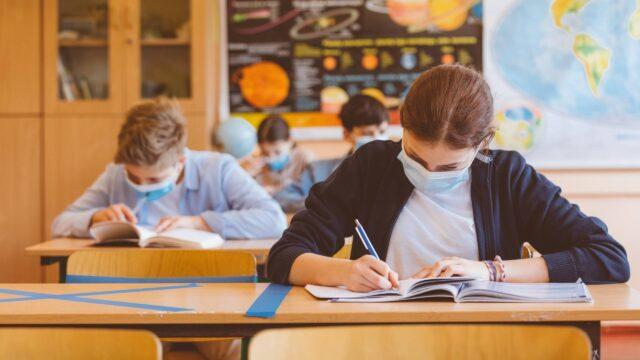 У Вінниці учнів 5-11 класів повертають до навчання у звичайному режимі