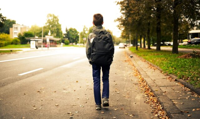 На Вінниччині поліцейські повернули батькам 12-річного хлопчика, який втік з дому