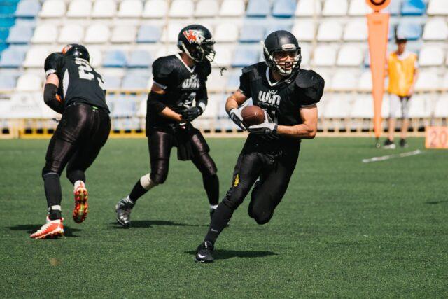 До команди з американського футболу «Вінницькі Вовки» приєднались сім іноземних гравців