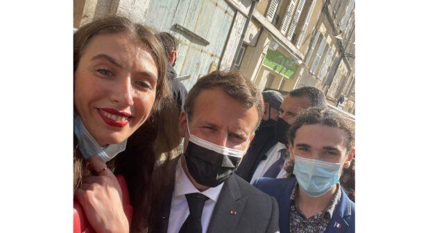 «La Marseillaise»: вінничанка у Франції заспівала гімн для президента Еммануеля Макрона. ВІДЕО