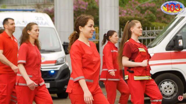 У Вінниці медики влаштували танцювальний флешмоб. ВІДЕО