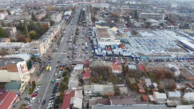 Де залишити авто: вінничан запрошують долучитися до опитування про паркування в місті