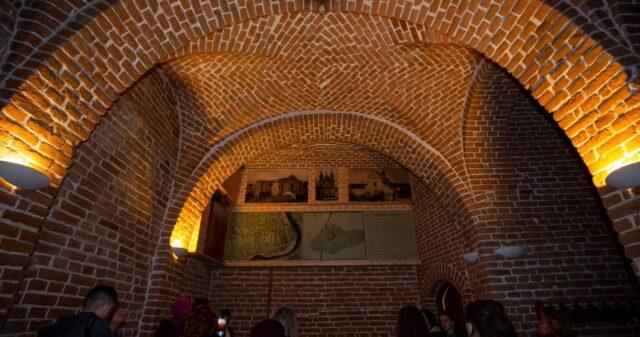 «Мистецьке літо»: вінничан запрошують на безкоштовну екскурсію Храмом Діви Марії Ангельської та підземеллями