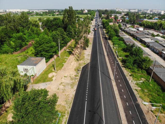 Оновлена дорога, відеонагляд та велодоріжки: у Вінниці завершують реконструкцію Сабарівського шосе. ФОТО