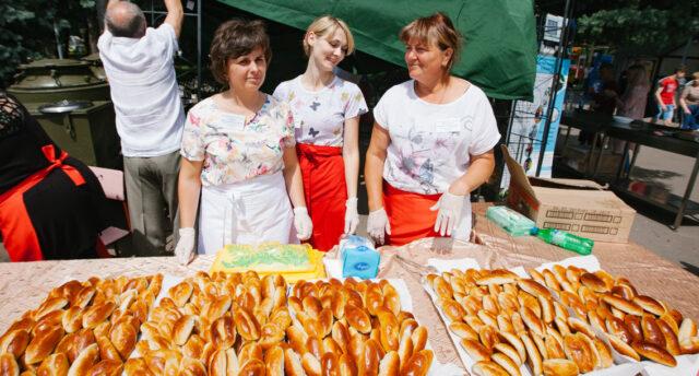 У Вінницю на Фестиваль польової кухні приїде ведучий Костянтин Грубич та гурт «Пан Карпо»