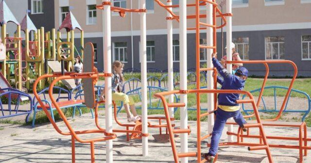 У Вінниці поблизу школи №12 облаштували мультифітнес-станцію. ФОТО
