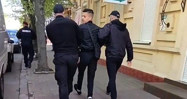 У поліції відкрили кримінальне провадження через вірогідне перевищення повноважень при затриманні активіста Пшеничного