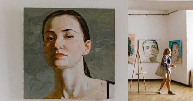 Під пильним поглядом: у Вінниці відкрилася виставка художника Олександра Шевчука. ФОТО