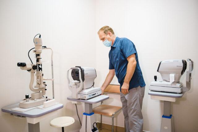 У вінницькій лікарні №1 за понад пів мільйона придбали обладнання для кабінету офтальмології
