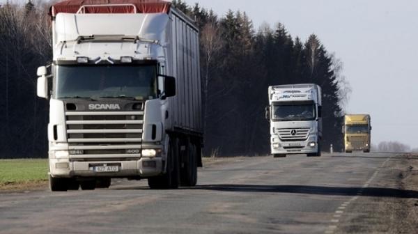 На Вінниччині тимчасово обмежили рух для великовагового транспорту