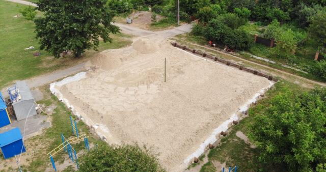 У Вінниці на пляжі «Хімік» будують волейбольний майданчик. ВІДЕО