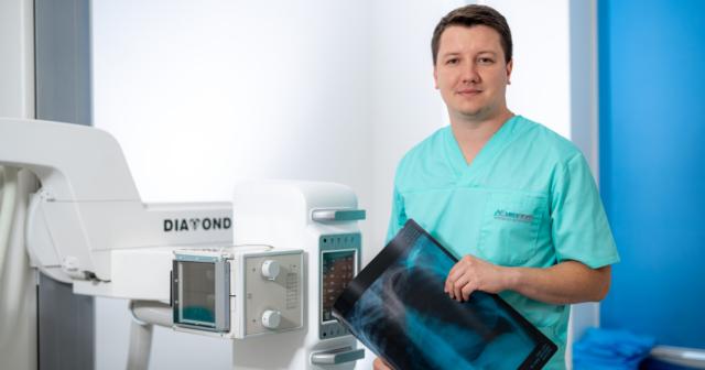 «Панорамний знімок в цифрі покаже викривлення хребта навіть до 1 градуса» – лікар-рентгенолог у Вінниці
