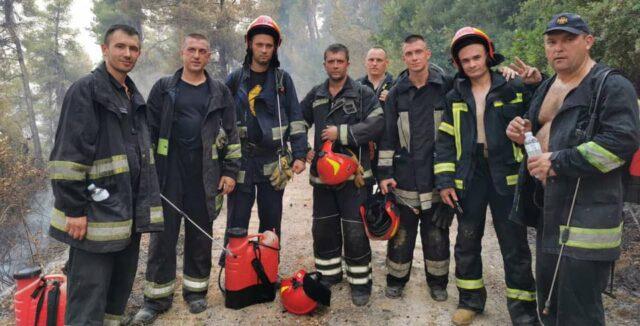 Вінницькі рятувальники повернулись до України після гасіння пожеж в Греції