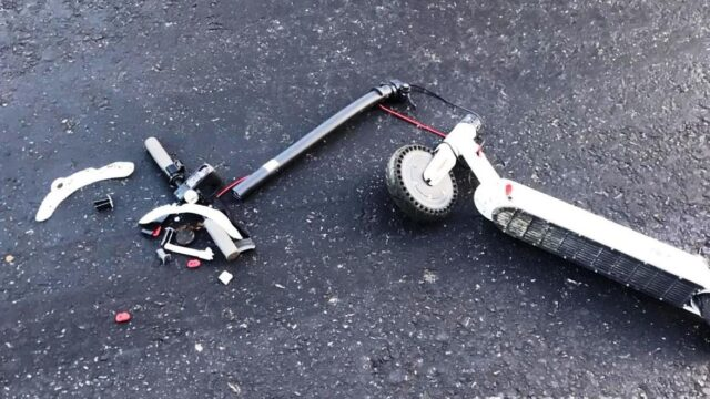 У Вінницькій області 10-річний хлопчик на електросамокаті потрапив під колеса авто