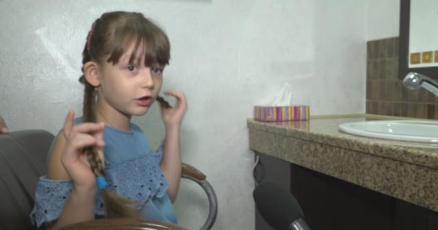 Юна вінничанка відрізала і продала своє волосся заради допомоги онкохворому хлопчику. ВІДЕО