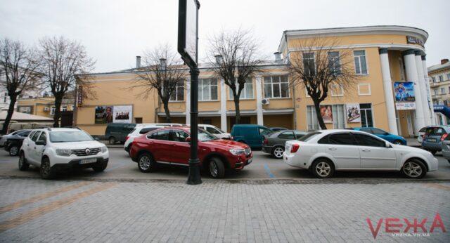 Міська рада планує затвердити єдиний порядок організації паркування у Вінниці