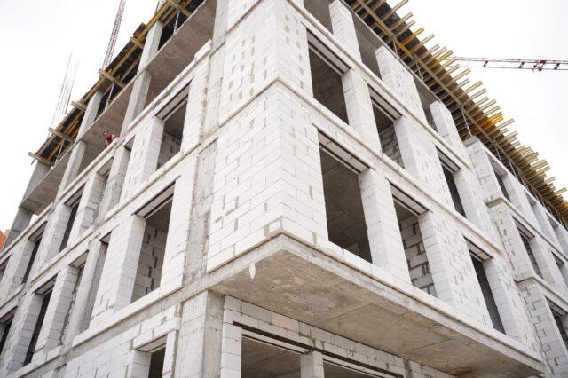 У Вінниці вже звели 6 поверхів другої секції муніципального будинку по вулиці Бортняка