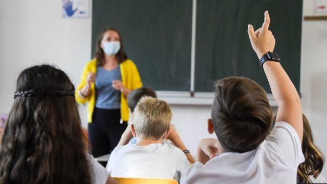 У Вінниці від COVID-19 вакцинувалися майже 74% працівників закладів освіти